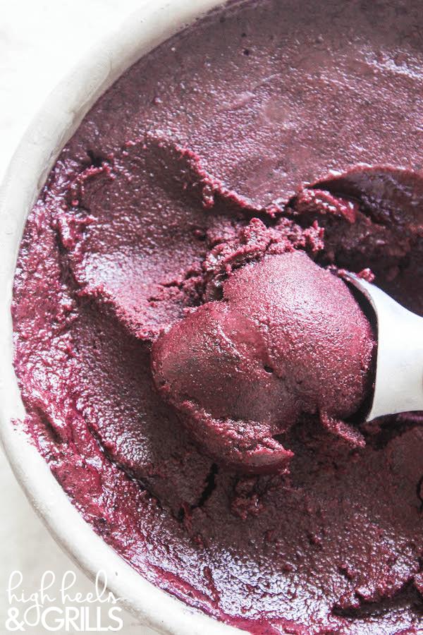 Skinny Blueberry Frozen Yogurt